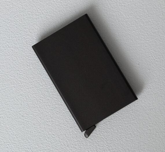 Портфейли Secrid Cardprotector Black 136505